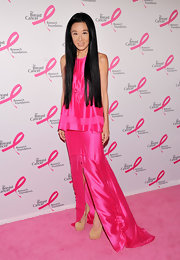 Vera Wang was all about pink at the Hot Pink Party in this silk drawstring dress.