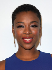Samira Wiley attended the 'Handmaid's Tale' FYC event wearing her hair in close-cropped curls.