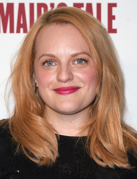 Elisabeth Moss showed off a gorgeous strawberry-blonde hairstyle at the 'Handmaid's Tale' FYC event.