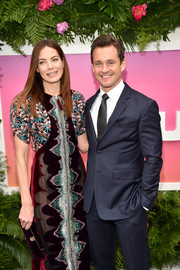 Michelle Monaghan matched her dress with a burgundy velvet clutch when she attended the Hulu Upfront brunch.