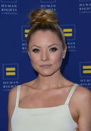 Kaitlin Doubleday looked adorable with her loose top knot at the Human Rights Campaign Los Angeles Gala.