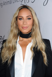 Leona Lewis wore her tresses loose in a casual wavy style during the Humane Society of the United States' To The Rescue Gala.