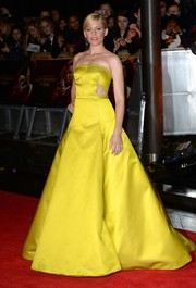 Even Effie Trinket has nothing on Elizabeth Banks in this show-stopper of a gown, featuring waist cutouts and a voluminous skirt, during the 'Catching Fire' London premiere.