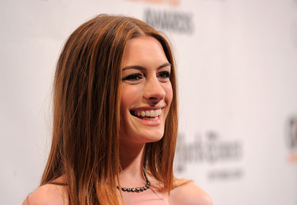 More Pics of Anne Hathaway Diamond Collar Necklace (1 of 8) - Anne Hathaway Lookbook - StyleBistro