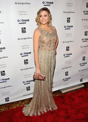 Elizabeth Olsen looked regal in a nude bead-encrusted dress at the Gotham Independent Film Awards.