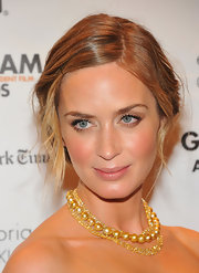Emily Blunt pinned back her soft dirty blonde locks into this almost finger wave-style 'do.