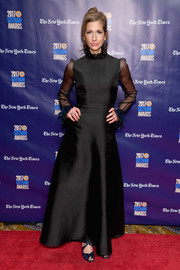 Alysia Reiner was classic and elegant in a high-neck black gown with sheer sleeves at the 2017 Gotham Independent Film Awards.