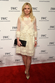 Jennifer Morrison completed her demure outfit with a lacy white skirt.