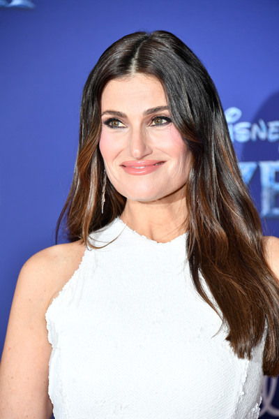 Idina Menzel Long Center Part [frozen 2,hair,face,hairstyle,eyebrow,shoulder,long hair,lip,brown hair,beauty,layered hair,arrivals,idina menzel,california,hollywood,dolby theatre,disney,premiere,premiere]
