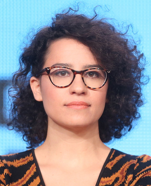 Ilana Glazer Short Curls [broad city,hair,eyewear,face,glasses,hairstyle,eyebrow,chin,lip,beauty,black hair,ilana glazer,actress,creator,portion,langham hotel,comedy central,viacom,winter tca tour,panel discussion]