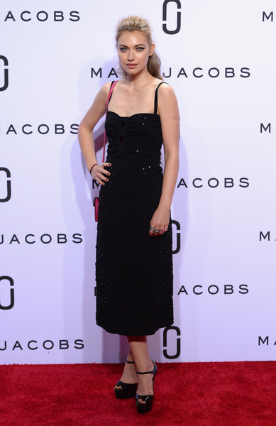 Imogen Poots Little Black Dress [marc jacobs,imogen poots,dress,clothing,cocktail dress,carpet,little black dress,fashion model,shoulder,red carpet,fashion,premiere,new york fashion week,fashion show,marc jacobs spring 2016,new york city,ziegfeld theater]
