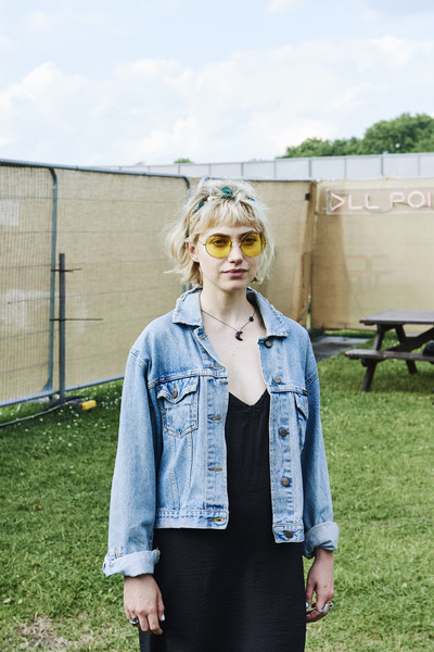 Imogen Poots Round Sunglasses [clothing,denim,street fashion,jeans,eyewear,glasses,fashion,jacket,blond,sunglasses,imogen poots,handout image,studios,ray-ban studios,victoria park,london,england,ray-ban,all points east festival]