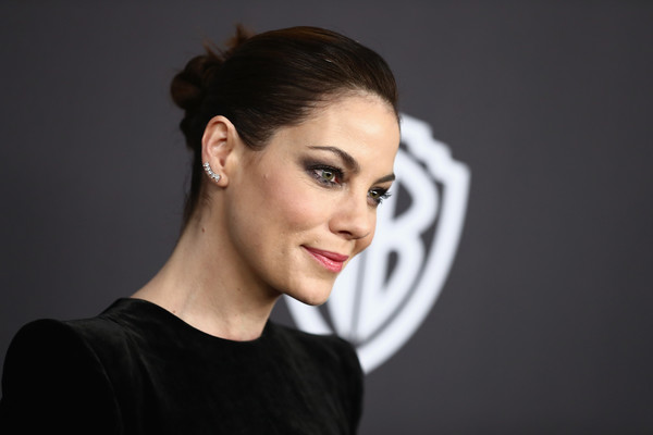 More Pics of Michelle Monaghan Ear Cuff  (1 of 4) - Dangle Earrings Lookbook - StyleBistro [hair,face,eyebrow,hairstyle,chin,beauty,cheek,lip,head,skin,michelle monaghan,beverly hills,california,the beverly hilton hotel,instyle,golden globes,warner bros.,arrivals,party]