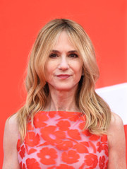Holly Hunter wore her hair in a gently wavy style at the UK premiere of 'Incredibles 2.'