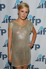 Tara's shimmery tunic looked fabulous with her sweet pixie cut.