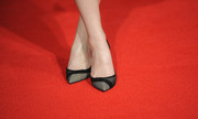 Carey Mulligan wore an elegant pair of patterned gray pumps to the London screening of 'Inside Llewyn Davis.'