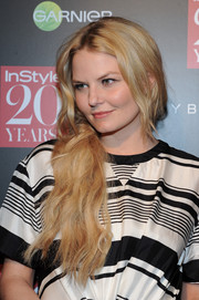 Jennifer Morrison posed for photographers at the InStyle 20th anniversary party wearing her long waves swept to one side.