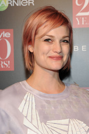 Alison Sudol rocked a messy pink hairstyle at the InStyle 20th anniversary party.
