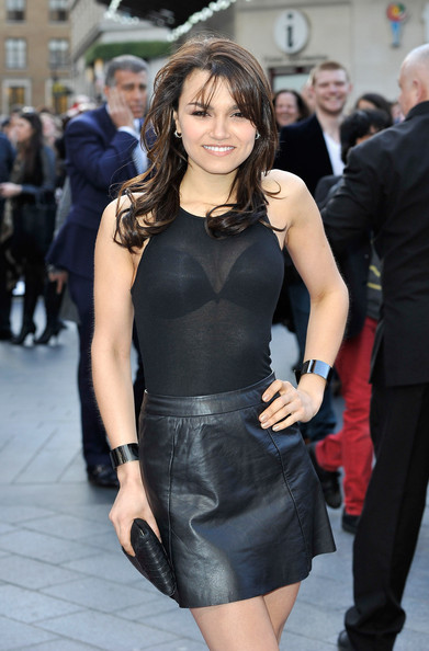 More Pics of Samantha Barks Long Wavy Cut with Bangs (1 of 6) - Long Wavy Cut with Bangs Lookbook - StyleBistro