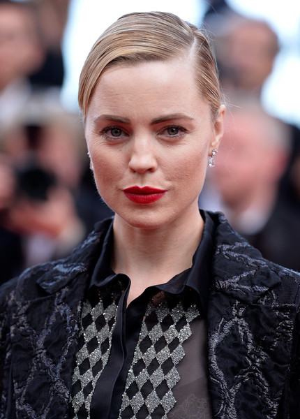 Melissa George opted for a simple, sleek bun when she attended the Cannes premiere of 'Irrational Man.'