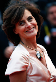 Ines de la Fressange walked the Cannes red carpet wearing her hair in a voluminous bob.