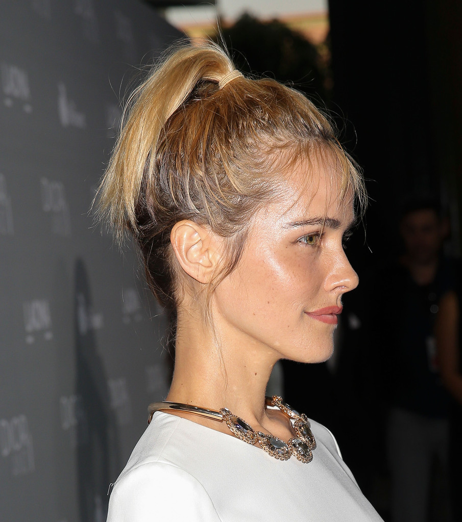 Isabel Lucas Hair Looks Stylebistro