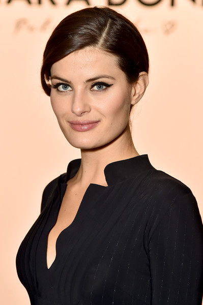 Isabeli Fontana Classic Bun [shows,hair,face,hairstyle,eyebrow,beauty,lip,chin,forehead,black hair,brown hair,isabeli fontana,chiara boni la petite robe,front row,front row,new york city,spring studios,new york fashion week,the shows at gallery ii]