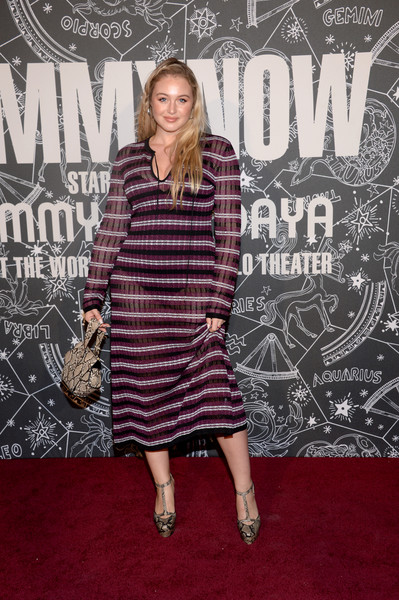 Iskra Lawrence Printed Purse [clothing,carpet,premiere,red carpet,pattern,fashion,flooring,dress,style,iskra lawrence,front row,atmosphere,front row atmosphere,new york,the apollo theater,tommynow]