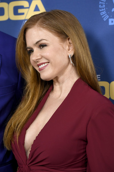 Isla Fisher Long Straight Cut [hair,blond,hairstyle,beauty,long hair,premiere,layered hair,brown hair,smile,electric blue,arrivals,isla fisher,directors guild of america awards,hollywood highland center,the ray dolby ballroom,california]