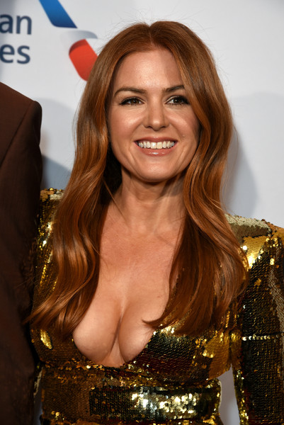 Isla Fisher Long Wavy Cut [hair,beauty,hairstyle,blond,brown hair,long hair,premiere,smile,dress,layered hair,isla fisher,tea party,los angeles,four seasons hotel,beverly hills,california,bbca bafta,bbca bafta tea party]