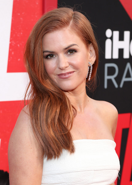 Isla Fisher Side Sweep