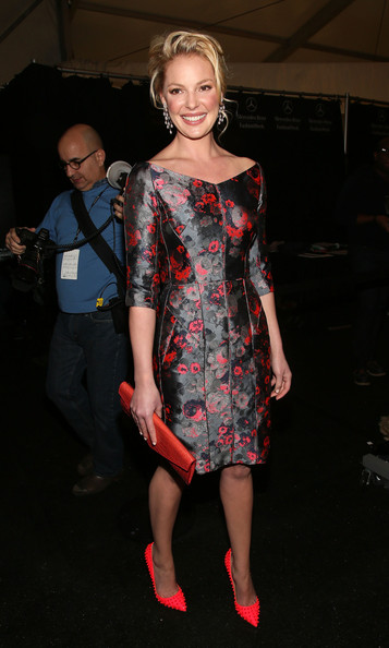 More Pics of Katherine Heigl Envelope Clutch  (5 of 12) - Katherine Heigl Lookbook - StyleBistro