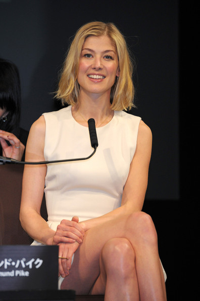 More Pics of Rosamund Pike Cocktail Dress (2 of 6) - Rosamund Pike Lookbook - StyleBistro