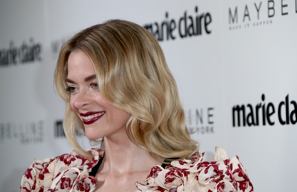 Jaime King Long Wavy Cut