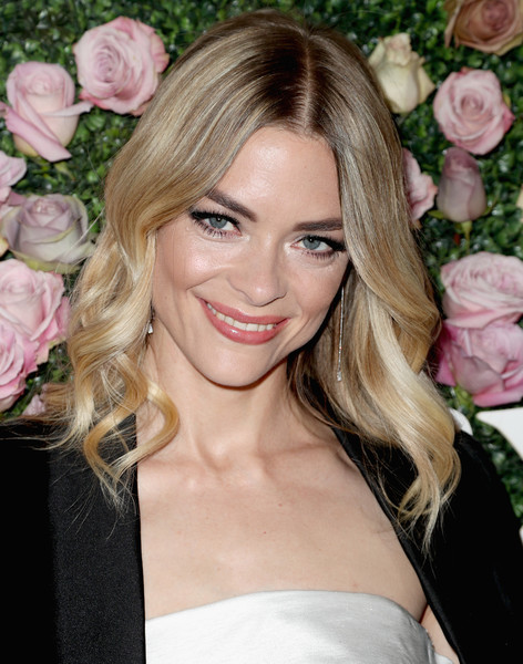 Jaime King Medium Wavy Cut [2017 women in film max mara face of the future award,hair,blond,hairstyle,eyebrow,long hair,beauty,lip,chin,brown hair,pink,arrivals,jaime king,max mara celebrates zoey deutch,recipient,the 2017 women in film max mara face of the future award recipient,zoey deutch,chateau marmont,california,max mara celebration]