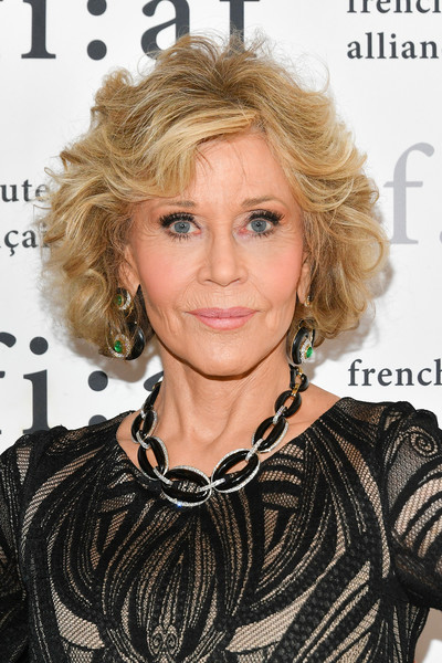 Jane Fonda Black Statement Necklace [hair,human hair color,blond,hairstyle,beauty,layered hair,ringlet,chin,shoulder,fashion model,the plaza hotel,new york city,trophee des arts gala,jane fonda]