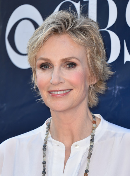 Jane Lynch Layered Razor Cut [hair,face,hairstyle,blond,eyebrow,chin,forehead,layered hair,lip,smile,arrivals,jane lynch,west hollywood,california,pacific design center,cbs,cw,party,showtime 2015 summer tca,summer tca]