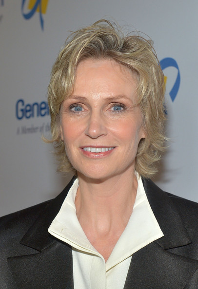 Jane Lynch Messy Cut [hair,blond,hairstyle,chin,official,white-collar worker,feathered hair,jane lynch,adults,families,illness,santa barbara,bacara resport and spa,california,dream foundation,dream foundation celebration of dreams,dream foundation celebration of dreams]