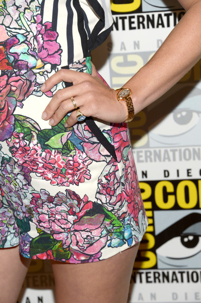 January Jones Gold Ring [the last man on earth,clothing,shorts,waist,fashion,thigh,leg,design,pattern,style,plant,january jones,fashion detail,press line,san diego,california,comic-con international 2016]