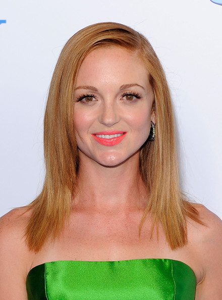 Jayma Mays Bright Lipstick [the smurfs,red carpet,hair,face,blond,hairstyle,lip,chin,shoulder,eyebrow,beauty,long hair,jayma mays,new york city,ziegfeld theater,premiere,world premiere]