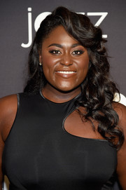 Danielle Brooks looked oh-so-glam with her half-pinned curls at the Jazz at Lincoln Center 2017 Gala.