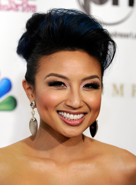 Jeannie Mai Dangling Diamond Earrings [hair,face,eyebrow,hairstyle,black hair,chin,forehead,lip,skin,beauty,arrivals,jeannie mai,fashion expert,television personality,las vegas,nevada,planet hollywood resort casino,miss universe pageant]