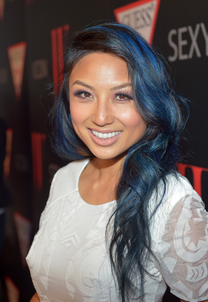 Jeannie Mai Long Wavy Cut