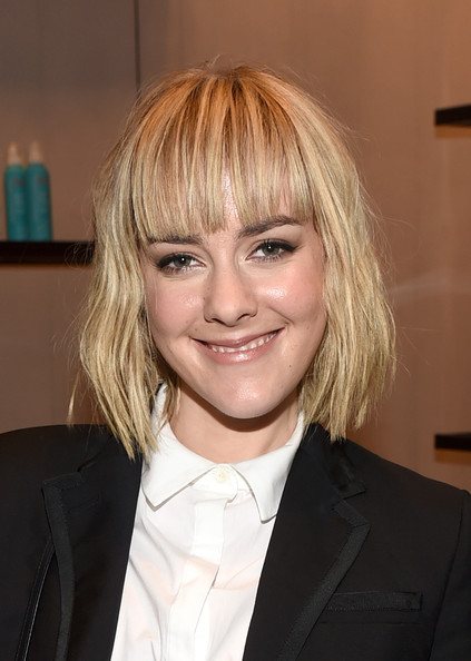 Jena Malone Short Cut With Bangs [hair,blond,hairstyle,eyebrow,chin,layered hair,forehead,hair coloring,official,bangs,jena malone,toronto,canada,variety studio,moroccanoil,holt renfrew,toronto international film festival]