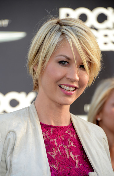 Jenna Elfman Bob [rock of ages,rock of ages,hair,blond,face,hairstyle,layered hair,beauty,eyebrow,lip,chin,bob cut,arrivals,jenna elfman,chinese theatre,california,hollywood,warner bros. pictures,premiere,premiere]