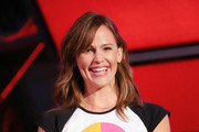 Jennifer Garner Medium Wavy Cut with Bangs