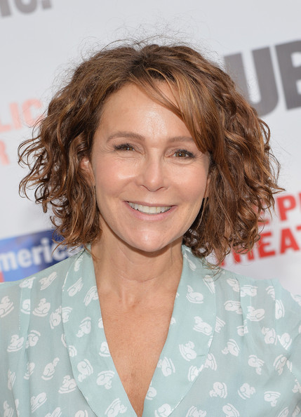Jennifer Grey Curled Out Bob [one thrilling combination,2014 gala presents,hair,hairstyle,blond,chin,brown hair,layered hair,long hair,smile,surfer hair,feathered hair,jennifer grey,arrivals,public theater,united states,new york,gala]