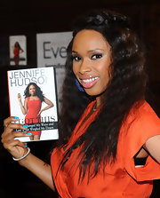 Jennifer Hudson wore a vibrant blue nail polish at a signing for her new book.