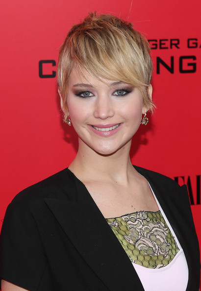 Jennifer Lawrence Pixie [the hunger games: catching fire,hair,hairstyle,face,blond,eyebrow,beauty,chin,premiere,hair coloring,bangs,new york special screening - outside arrivals,jennifer lawrence,screening,new york city]