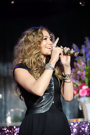 "Jennifer Lopez attended the launch of her new album, ""LOVE?"", wearing an Cascais bracelet in 18-karat noble gold and yellow gold with diamonds."